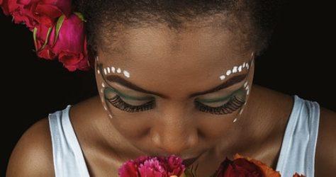 beautiful-woman-4995250_640