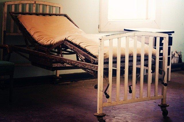 hospital-bed-315869_640